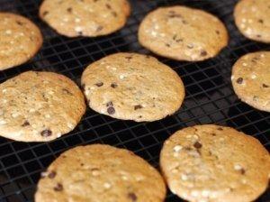 """Sausainiai """"Šokoladiniai lašiukai"""""""