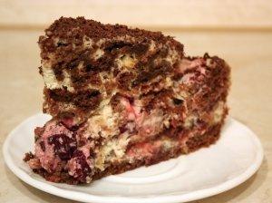 Kreminis pyragas su vyšniomis