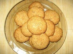 Avižiniai sausainiai su riešutais