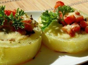 Orkaitėje kepti cukinijų žiedai su faršu ir sūriu