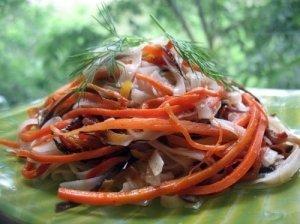 Daržovių ir makaronų salotos