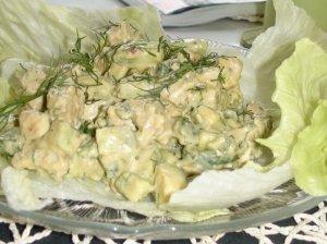 Vištienos ir avokado salotos