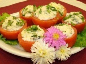 Pomidorai įdaryti kiaušiniene