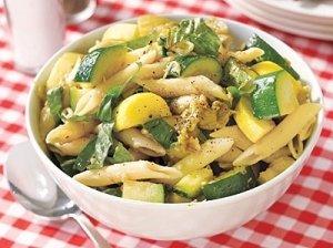 Makaronų ir šparagų salotos