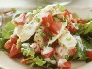 Lengvos vištienos salotos