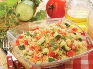Kuskusinės rytietiškos salotos