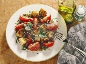 Pomidorų ir pievagrybių salotos