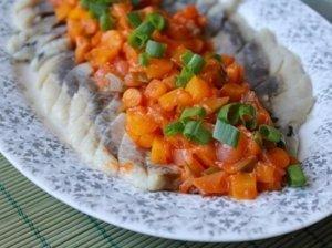 Silkė su morkomis ir svogūnais