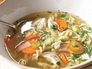 Vištienos ir makaronų sriuba