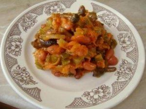 Daržovių salotos su marinuotais grybais