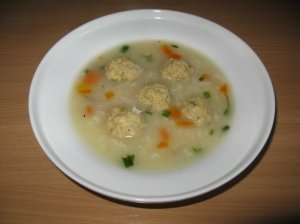 Ryžių sriuba su žuvies kukuliais