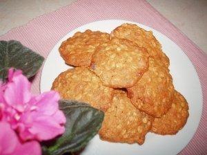 Avižiniai sausainiai su auksinėmis razinomis