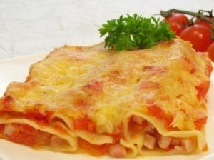 Cannelloni su šonine ir pomidorų padažu