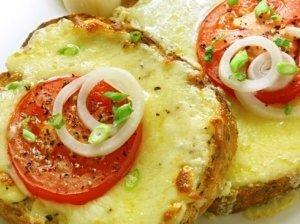 Karšti sumuštiniai su pomidorais