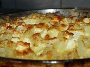 Sotus bulvių ir daržovių apkepas su faršu