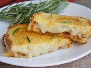 Karšti sumuštiniai su sūriu