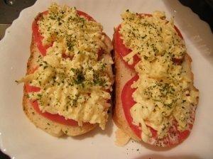 Pomidorų sumuštiniai su kiaušinių užtepėle