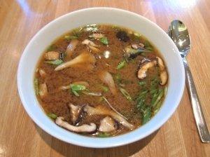 Avižinių dribsnių sriuba su džiovintais grybais
