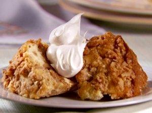 Paprastas obuolių pyragas su graikiniais riešutais