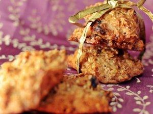 Avižiniai sausainiai su sėklomis ir džiovintais vaisiais