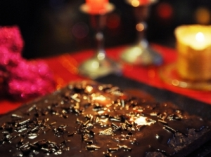 Šokoladinis avižinių dribsnių pyragas