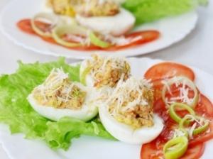 Farširuoši kiaušiniai su tunu