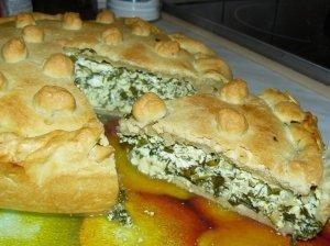 Sotusis pyragas su varškės sūriu ir špinatais