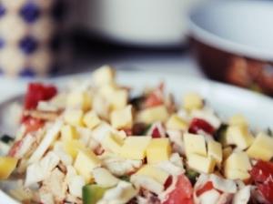 Vištienos ir sūrio mišrainė