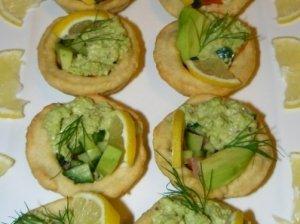 Tartaletės su avokadu ir lašiša