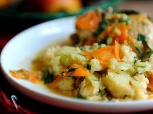 Vištiena, troškinta su daržovėmis
