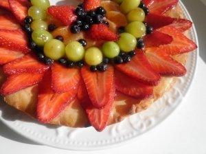 Tartalete su uogomis ir vaisiais