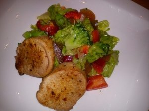 Daržovių salotos su kiauliena