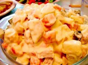 Bulvių ir mėsos salotos