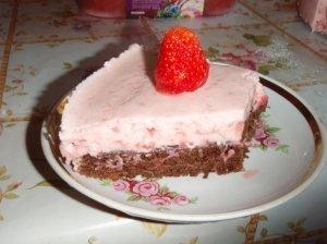 Pyragas su braškiniu plakainiu