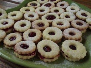 Sausainiai su uogiene