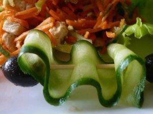 Morkų - agurkų salotos
