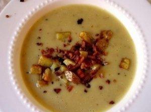 Pertrinta bulvių sriuba su kiaulienos filė
