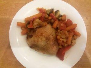 Vištiena su daržovėmis bei grybais
