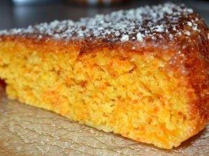 Skanus morkų pyragaitis