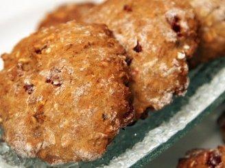 Avižiniai sausainiai su riešutais ir džiovintais vaisiais