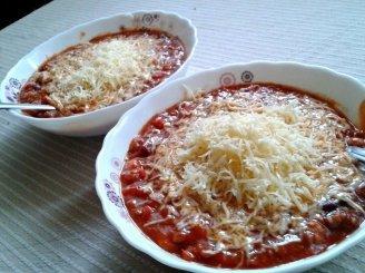 Greita čili sriuba su mėsa ir fermentiniu sūriu