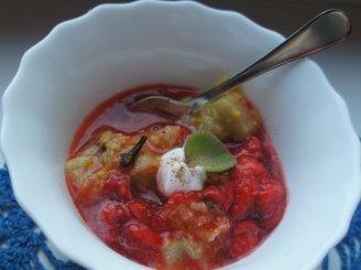 Braškių ir rabarbarų sriuba