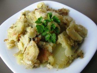 Šviežios keptos bulvė  su žalumynais