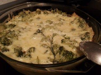 Makaronų ir brokolių apkepas