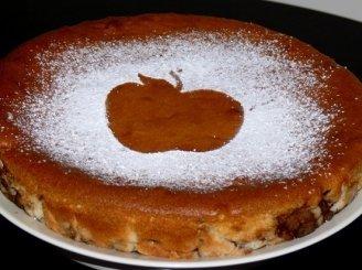 """""""Atvirkščias"""" obuolių pyragas."""