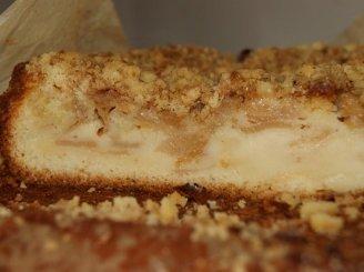 Obuolių pyragas su trupinių plutele