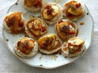 Karamelizuotų obuolių sumuštinukai