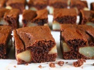 Kakavinis kriaušių pyragas