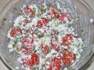 Varškės sūrio salotos