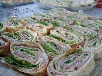Lavašo sumuštinukai su kumpiu